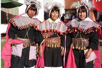 userfiles/image/tours bolivia/Tour_to_the_Indigenous_Market_in_Tarabuco/
